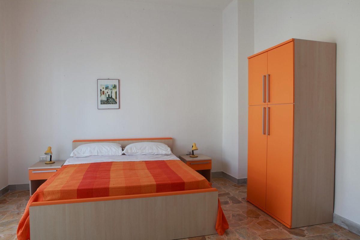 Appartamento con 6 camere da letto i borghi d 39 italia for Camere da letto b b italia
