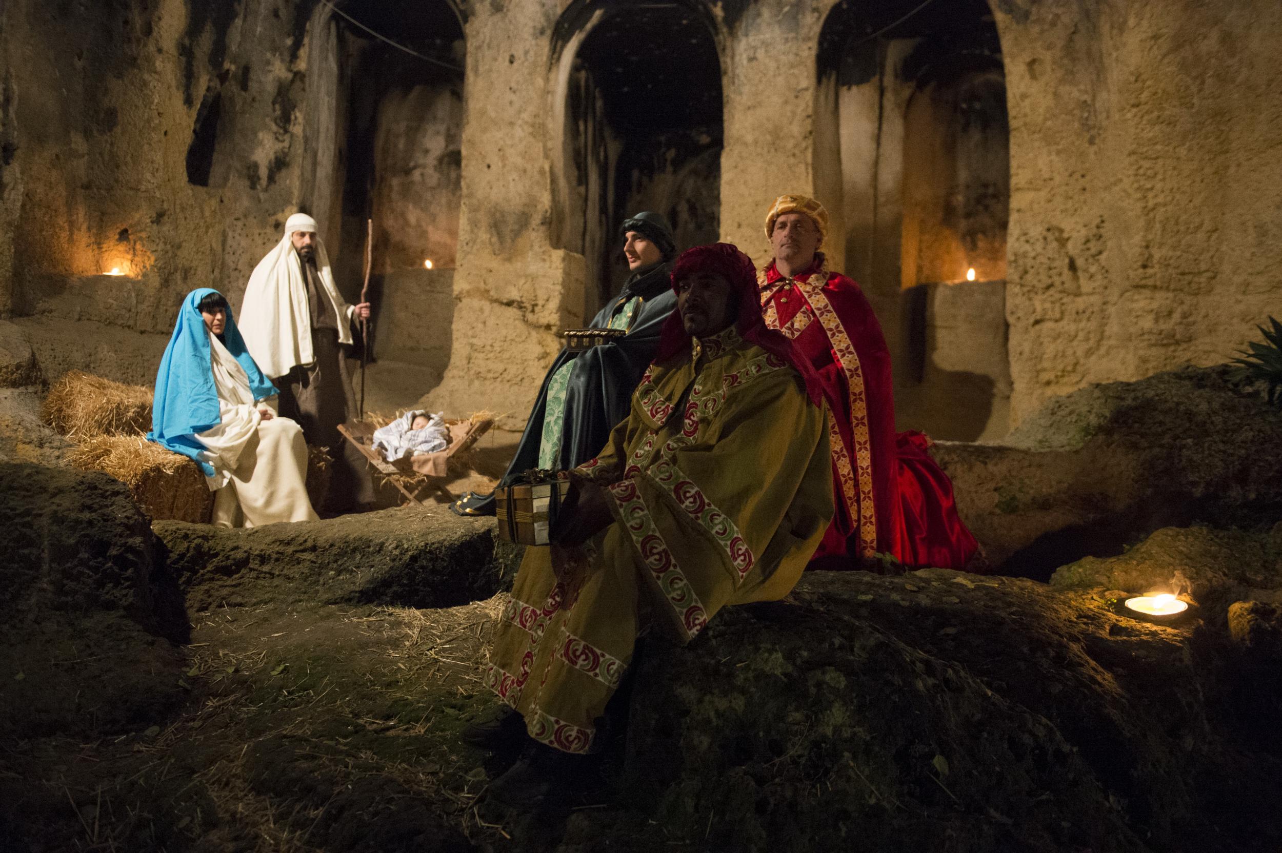 Risultati immagini per presepe vivente medievale Martina franca