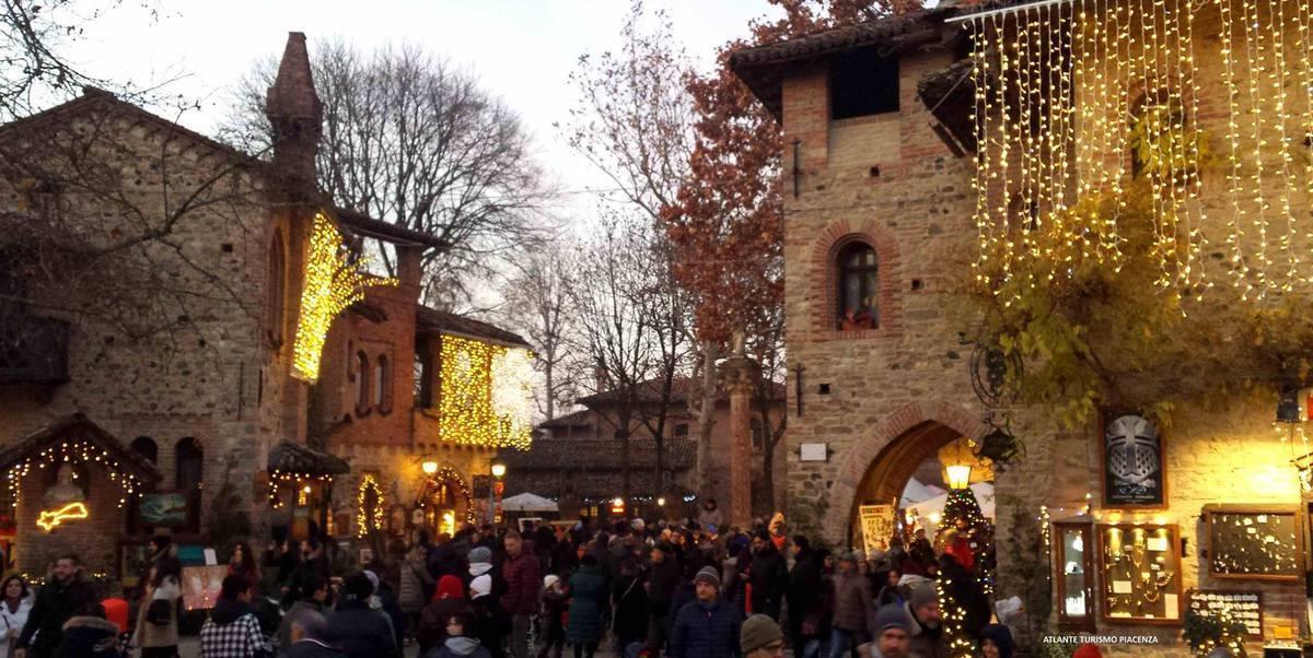 Natale nei borghi: i mercatini di Grazzano Visconti (PC)