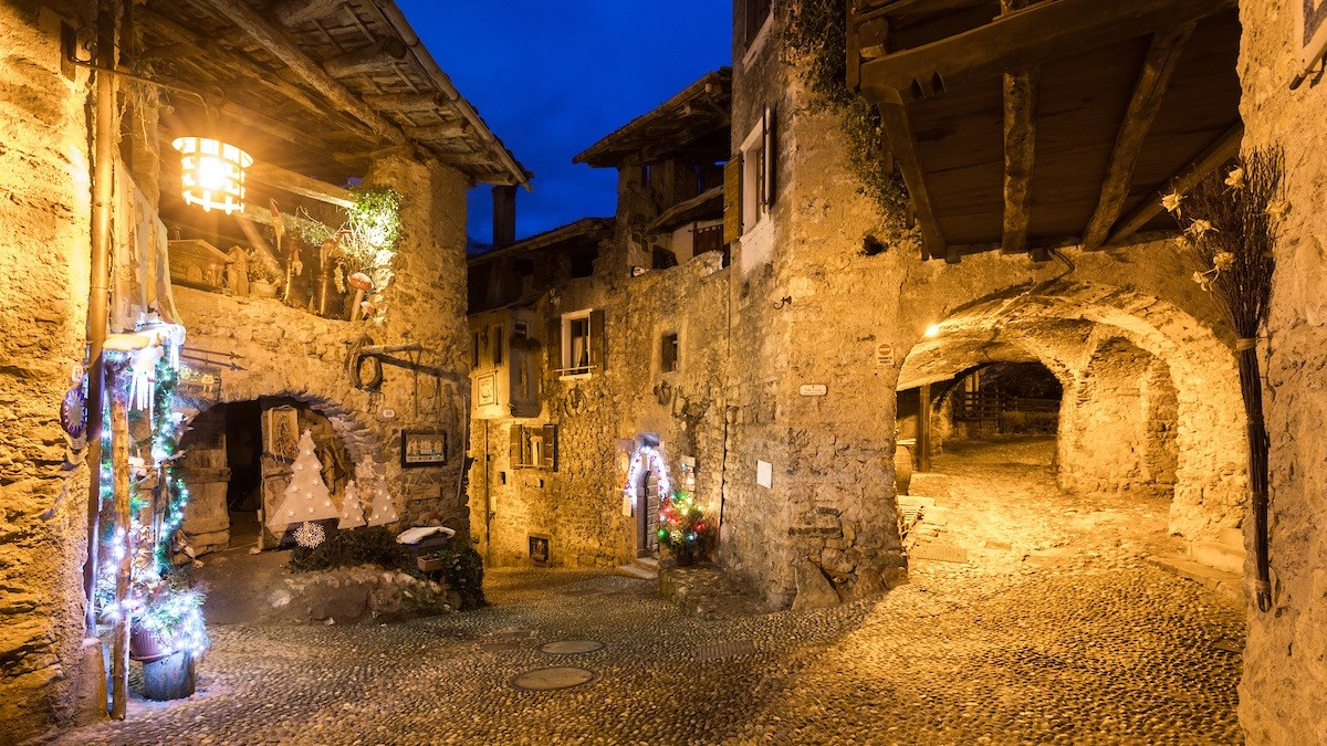 Ready for the Christmas markets in the villages? Today we tell you those of Canale di tenno (TN)